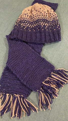 JESPY Shop Knitted Hat and Scarf Set